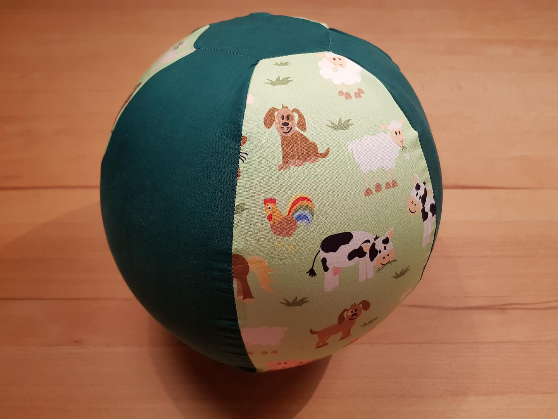 Stoffball grün