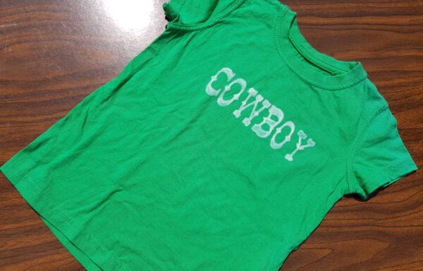 Diverse T-Shirt oder Longshirts beschriftet
